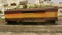 Roundhouse MDC Milwaukee Road 50' Boxcar Upgraded,  Ex