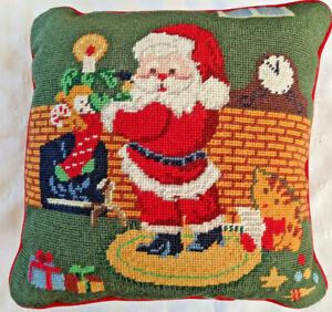 VTG Needlepoint Pillow Santa Fireplace Christmas Xmas Stocking Cat 12x12 *FLAW