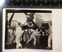 WWII Photo Air Force 330th Bomb Group 314th Wing B-29 Nose Art City Omaha Crew