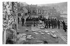 pt4026 - Fish Sale at Staithes , Yorkshire - photo 6x4