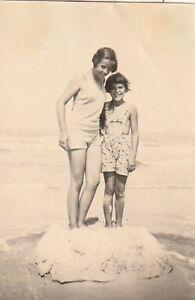 Vintage Foto Hübsche Mädchen im Badedress 30er Jahre