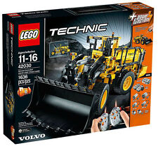 NEW Retired Lego Technic 42030 Volvo Wheel Loader Construction Building Play Set