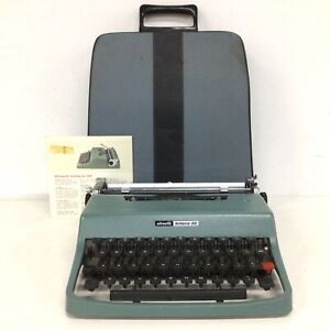 Vintage Olivetti Lettera 32 Typewriter with Carry Case #129