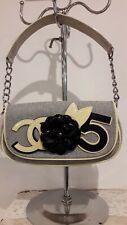 Borsa Chanel vintage pochette tessuto ottime condizioni fiore in rilievo codice