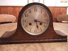 """Antique (1920) Chêne Tubé """"Napoléon"""" Pendule deux train mantle clock"""