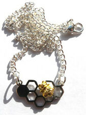 GORGEOUS HONEYCOMB PENDANT WITH GOLD BEE PENDANT & NECKLACE + FREE GIFT BAG