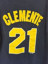 Pittsburgh Pirates # 21 Roberto Clemente T-shirt Size XL no tags
