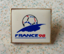 Pin's pin FOOTBALL COUPE DU MONDE FRANCE 98 (ref 066)