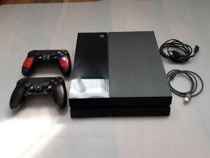 Sony PlayStation 4 500GB Konsole - Schwarz mit 2 Controllern guter Zustand