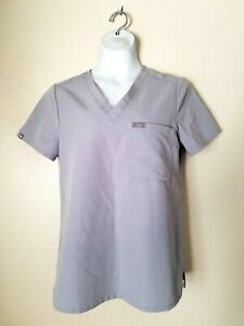 FIGS Technical Collection Women's Grayw/Pocket Scrub Top Sz Small/ Can Fit M