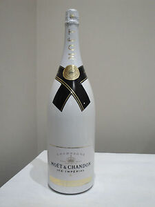 Magnum publicitaire Champagne MOËT  & CHANDON White Impérial