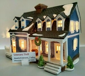 Department 56 New England Heritage- Berkshire House-Blue #5942-0 Retired💖
