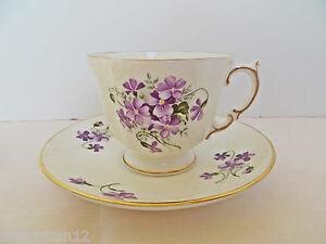Fine Bone China New Teacup & Saucer Heirloom England Elizabeth Grey  Violets