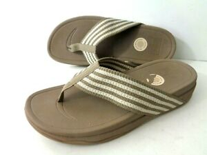 FITFLOP Surfa 588-358 WMNs 9M Stone & Ivory Thong Wedge Sandals Shoes