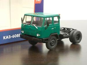 1:43 KAZ-608V Kolkhida Tractor Truck #31 Legendary Trucks (Modimio)