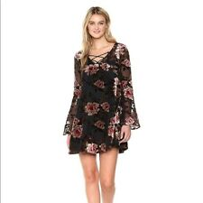 Cupcakes and Cashmere Dress M Shift Long Sleeve Floral Applique Valda DEFECT