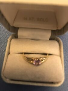 Ladies 14k yellow gold ring With Amethyst Stone size 7