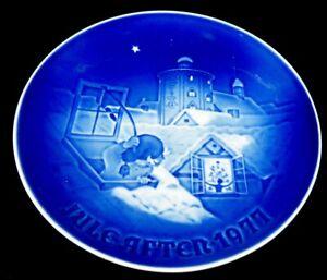 Copenhagen Denmark B&G Porcelain Plate Jule After 1977 Christmas blue plate