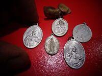 Anciennes Médailles Religieuses en Aluminium au Christ , la Vierge ....