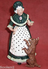Hn2314 - Royal Doulton Figurine - Old Mother Hubbard - 1964-1975