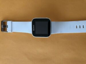 SONY WATCH, PRE-OWNED, WHITE COLOR, FREE SHIPPING, ( SEE DETAILS)