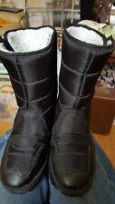 Snow boots size 3. Black.