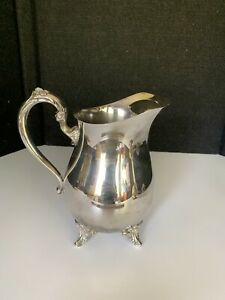 Oneida Silver Plated Footed Water Tea  Pitcher/Flower Vase Vintage Beautiful