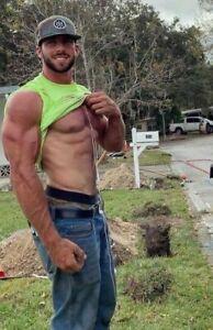 Shirtless Male Muscular Country Scruffy Man Huge Biceps Hunk Man PHOTO 4X6 B929