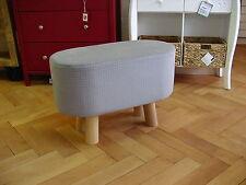 Moderne Möbel aus Holz & Gewebe fürs Esszimmer