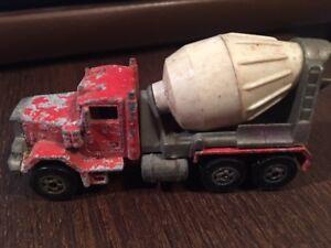 Car~Hot Wheels Peterbilt Cement Truck