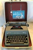 PRISTINE 1952 ROYAL Quiet Deluxe Portable Typewriter Case Key Owners Manuel