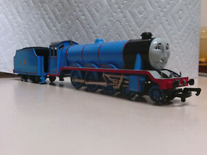 Bachmann Trains Thomas and Friends Gordon 58744 HO/OO (No Back Bogie Wheels)