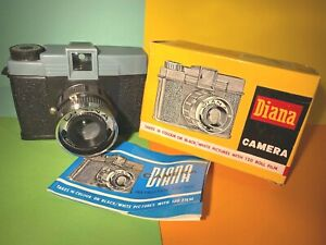 Diana Camera No. 151 - Original vintage 120 film camera for Lomo Lomography