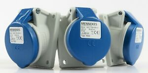 (AMPMECH) MENNEKES RECEPTACLE 1632 WITH TWINCONTACT;  PANEL MT,16A-3P-230V,IP44
