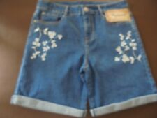 LADIES MID LENGTH DENIM SHORTS WITH FLORAL EMBROIDERY DETAIL SIZE 12 NEW (556)