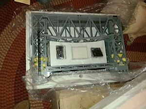 Lionel 6-12782 Operating Lift Bridge w/Bell & Lights NIB