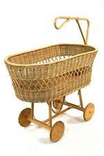 Culla per neonati in midollo naturale con ruote in legno
