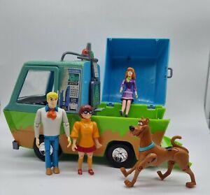Hasbro 2005 Scooby Doo The Mystery Machine Ghost Patrol Van With Figurines