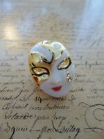 Quirky Kitsch Gold White Enamel Masque Mask Woman Costume Jewellery Ring