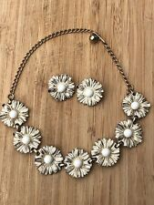 Daisy Chain Necklace & Earrings Vintage 1950's White Enamell & Gold