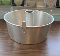 "VTG Mirro Aluminum Clad #5394M - Angel Food 10"" Round Cake Pan With Insert/Legs"