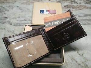Fossil NY Yankees Travelers Brown Wallet in box