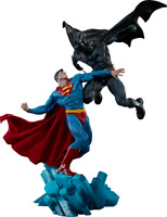 DC Comics Classics Batman vs Superman Diorama by Sideshow Collectibles Statue
