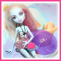 ❤️Monster High Abbey Bominable Skull Shores Dressed Doll Beach Outfit❤️