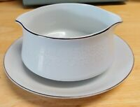 Vtg Crown Victoria Fine China LOVELACE Long Gravy Boat And Attached Underplate