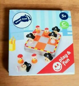 NEW CHILDREN'S WOODEN SMALL FOOT PIRATE TIC TAC TOE MAGNETIC IN A TIN NEW