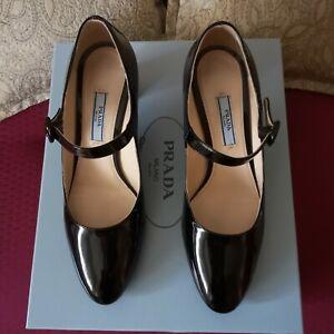 Scarpe PRADA 36.5 nere, usate una  con scatola Mary Jane in vernice