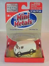 Mini Metals 1/87 Metro DELIVERY TRUCK blanc neuf dans sa boîte #2136