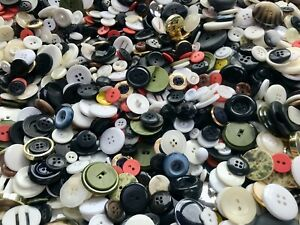 1KG Mixed Button Wholesale Assorted Cream Black Green Pink Job Lot Buttons (A)