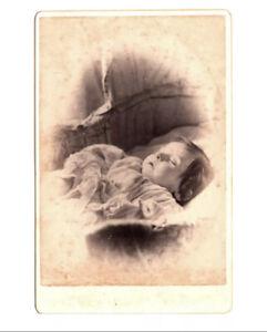 POST MORTEM Baby Mourning Dead Deathbed Cabinet Card Cdv Photo 1900 Antique